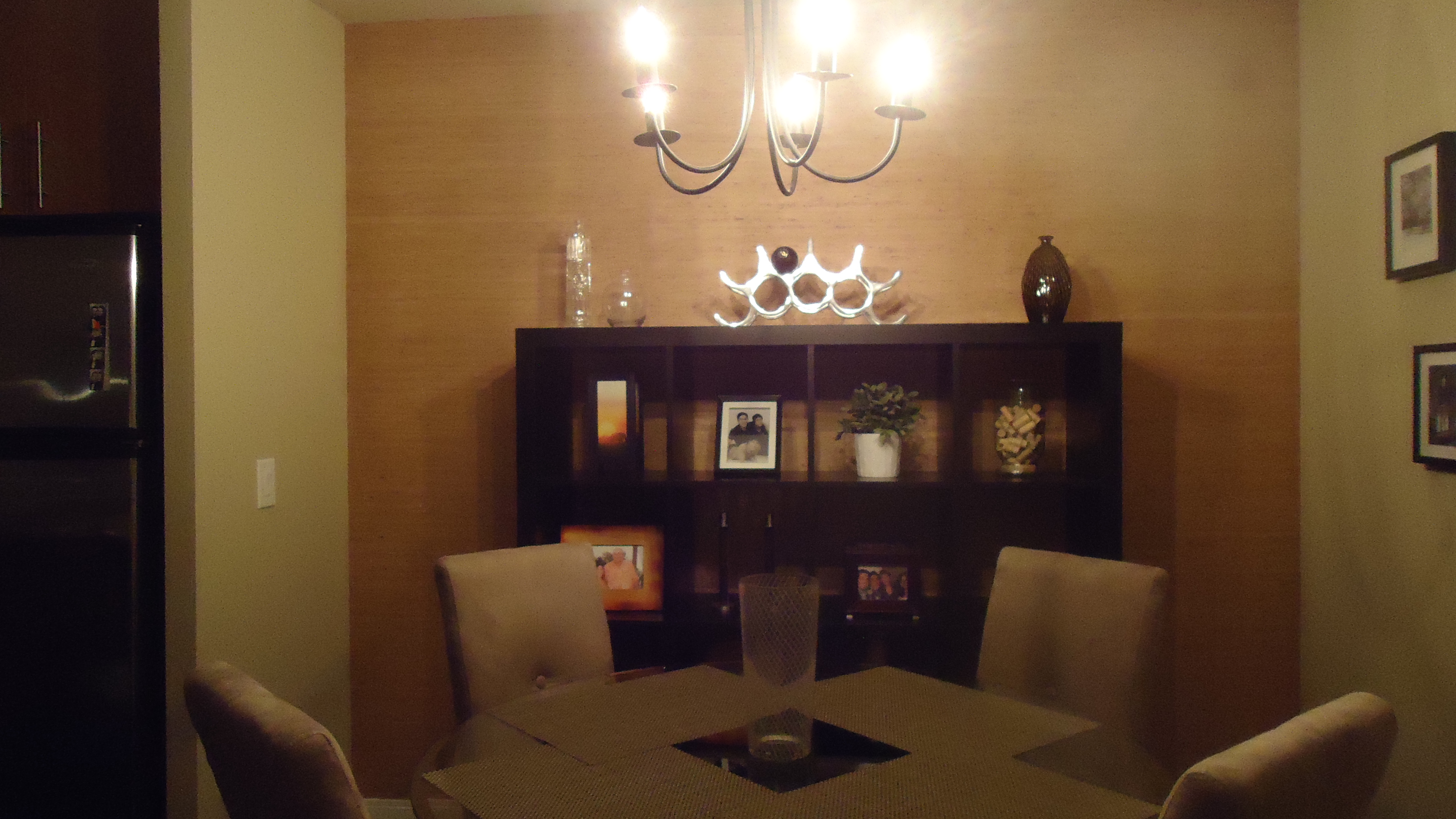 Making a bold statement with grasscloth wallpaper small for Kitchen dining room wallpaper