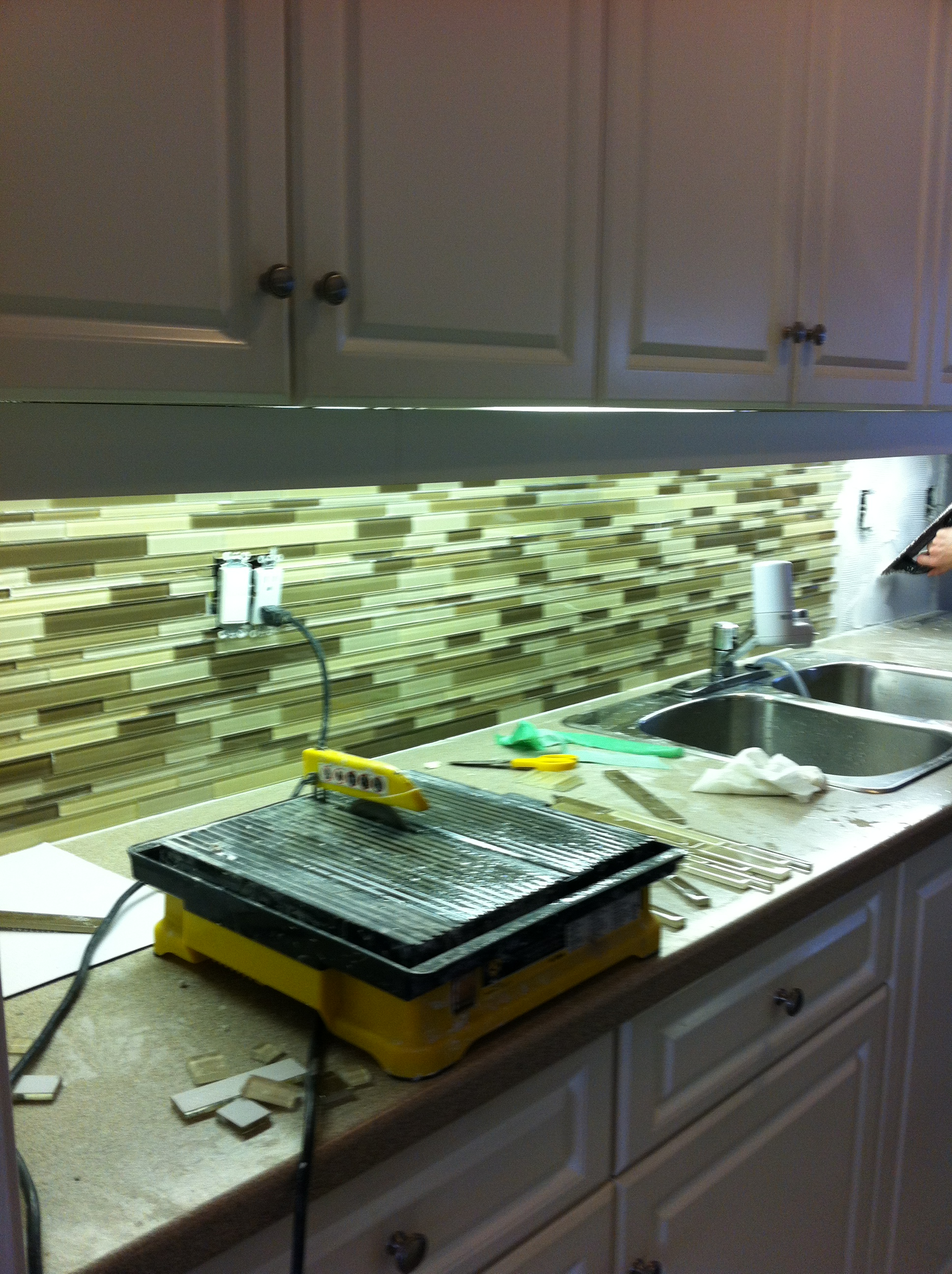 another beautiful glass tile backsplash small space style